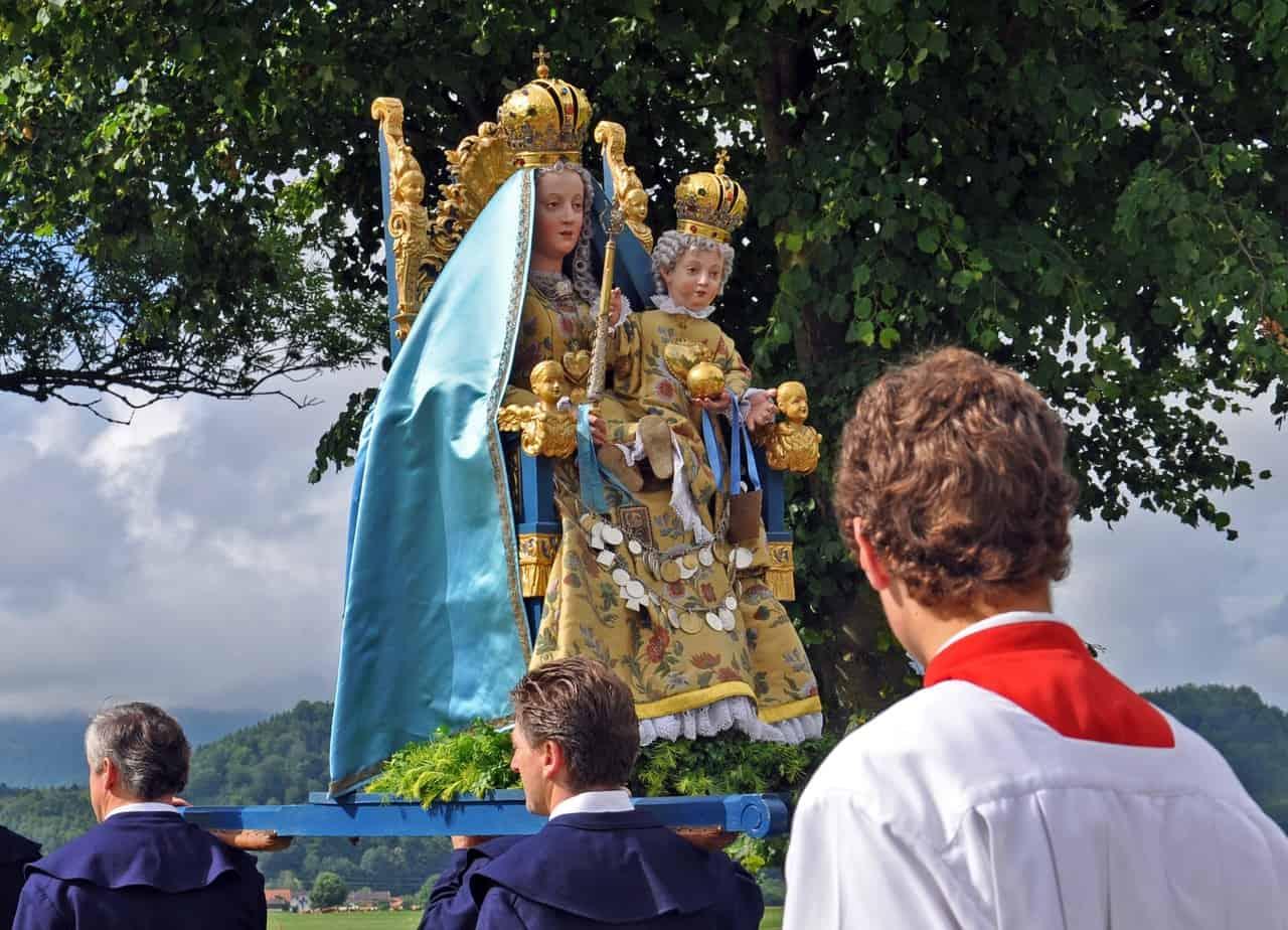 Kirche, Prozession, Ministrant, Feiertag, Fronleichnam